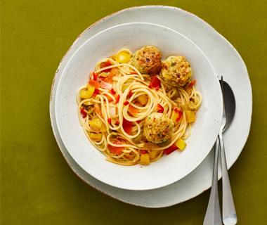 Spaghetti met tonijnballetjes