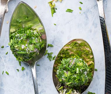Hamballetjes met groene kruiden