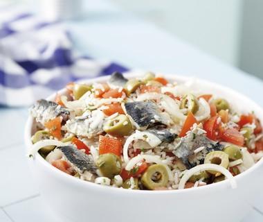 Rijstsalade met sardines