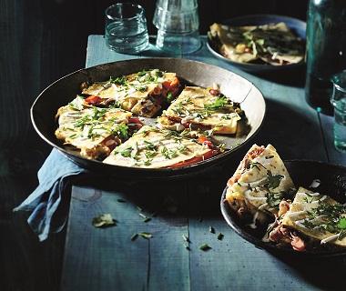 Tortilla met paddenstoelen, paprika en Old Amsterdam