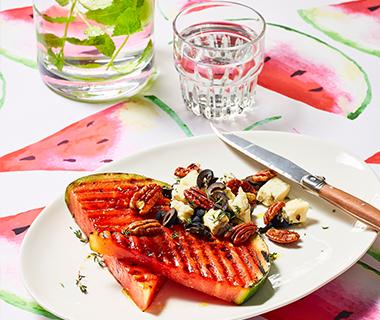 'Steak' van watermeloen met gorgonzola