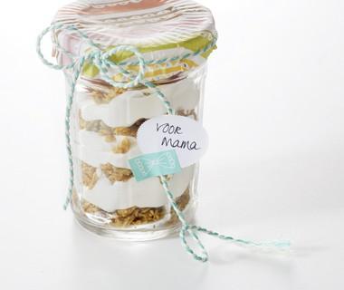 Cheesecake in a jar met granola en frambozen