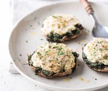 Portobello met spinazie, ricotta en knapperig broodkruim