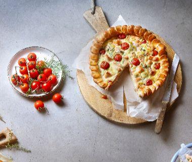 Zalmtaart met tomaatjes en dille