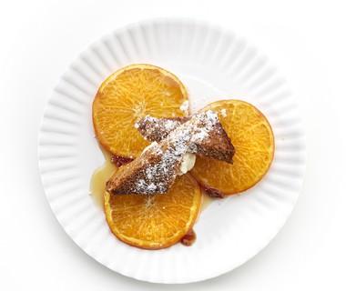 Geroosterde sinaasappel met kruidkoek
