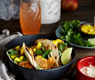 Jackfruit tortilla met limoen- & cashewspread