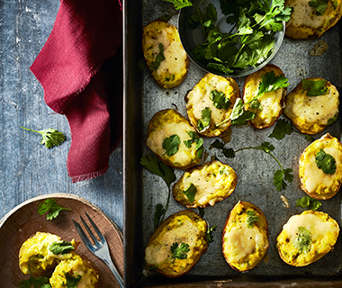Gevulde aardappelschillen