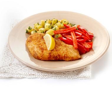 Kalkoenschnitzel met rode paprika en peterseliekrieltjes