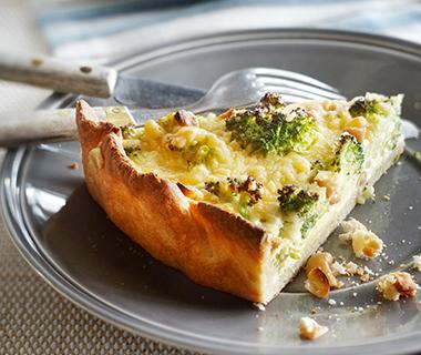 Broccoli-brietaart met noten