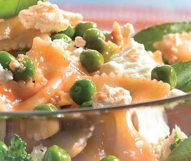 Pastasalade met broccoli en geitenkaas