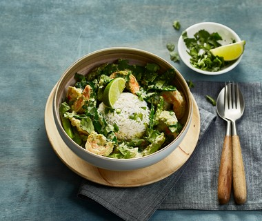 Thaise groene curry met garnalen en limoenrijst