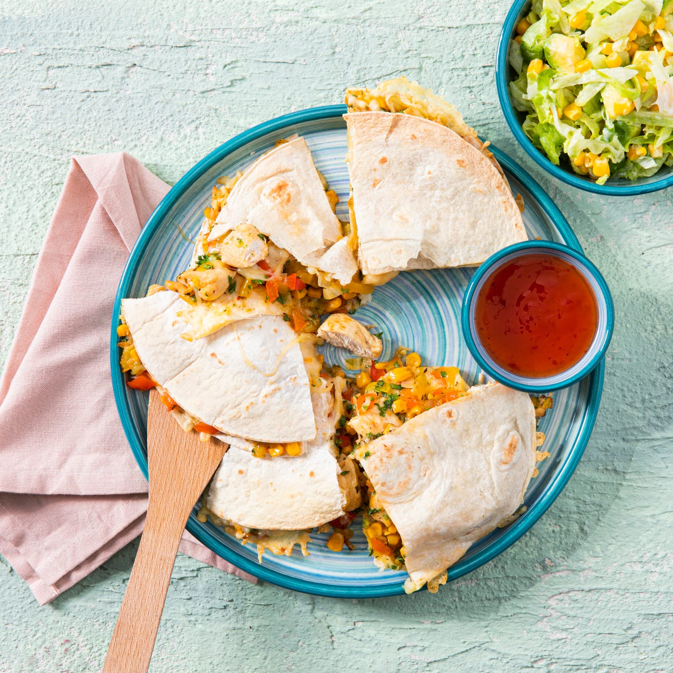 Quesadilla met kip, paprika en maïs