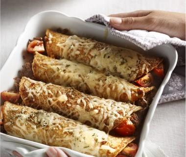 Gevulde volkorenpannenkoek met gehakt en rozemarijn