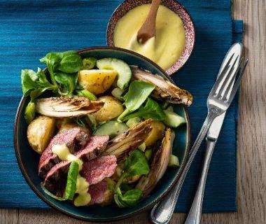 Lauwwarme salade met witlof en biefstuk