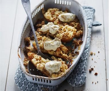 Gevulde peer met noten en honingroom