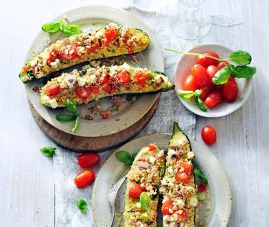 Gevulde courgette met couscous en tonijn