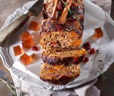Gehaktterrine met cranberry's en abrikozen