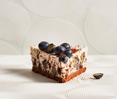 Stracciatella-cheesecake met blauwe bessen