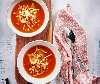 Zoetzure tomatensoep met kip