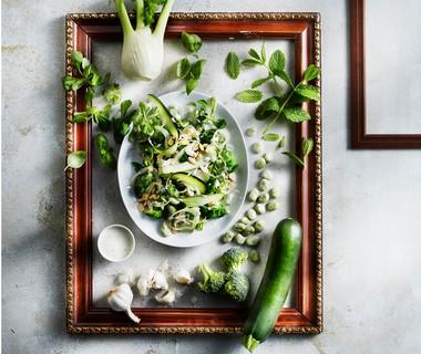 Groene salade met frisse yoghurtdressing