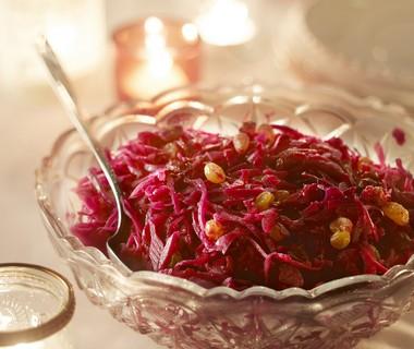 Rodekool met appel, cranberry's en rozijnen