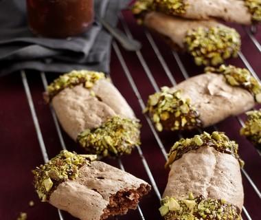 Chocolade-schuimkoekjes met pistache