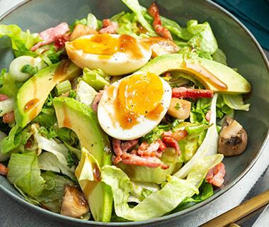 Frisse salade met knapperige spekjes