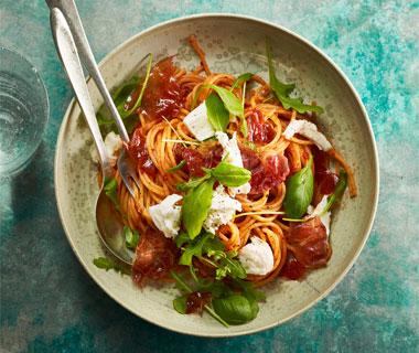 Spaghetti caprese met parmaham