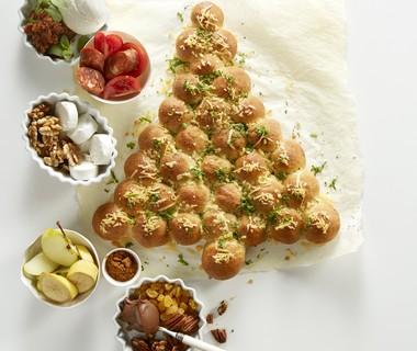 Kerstboombrood met kaas en kruidenboter