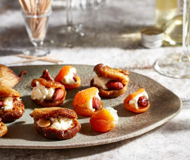 Gevulde abrikozen en vijgen met gorgonzola en amandel