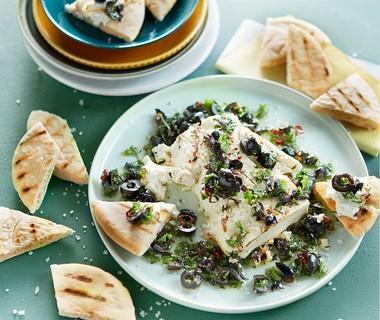 Gemarineerde feta met olijven en pitapuntjes