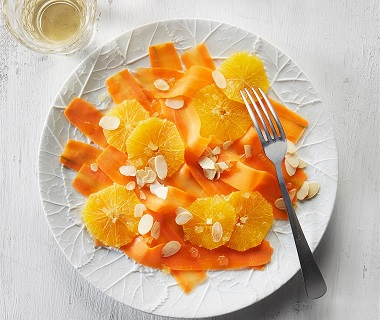Wortelcarpaccio met sinaasappel