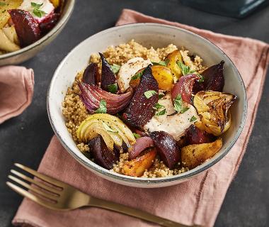 Quinoa met geroosterde bietjes en geitenkaas