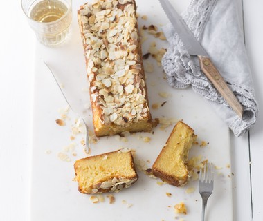 Ricotta-mandarijncake met amandelschaafsel