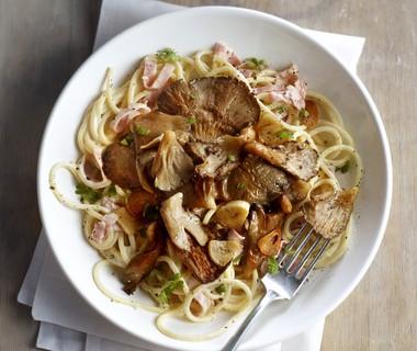 Romige pastasaus met beenham en oesterzwammen