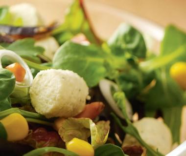 Apetina Couscous salade