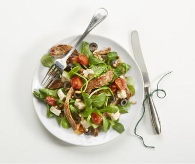 Salade met biefreepjes en geroosterde tomaatjes