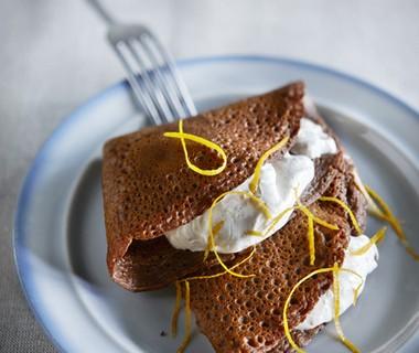 Chocoladeflensjes met specerijencrème