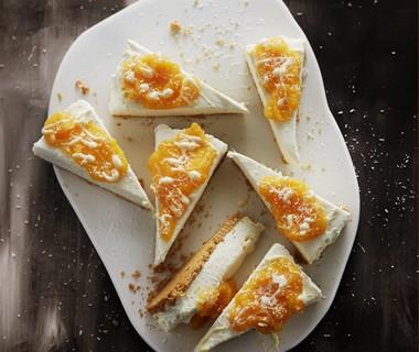 Kokos-cheesecake met mangocoulis