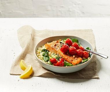 Zalmfilet met spinazie en couscous
