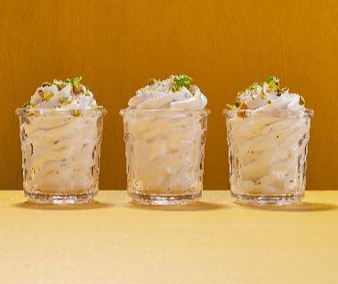 Roomswirl met citroen, basilicum en pistache